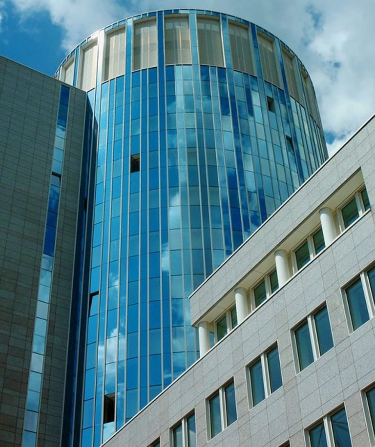 fachadas con vidrio